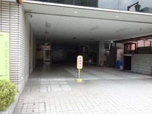 江坂石周ビル立体駐車場