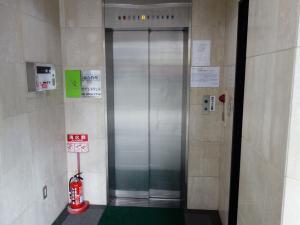 菊屋ビルエレベーター
