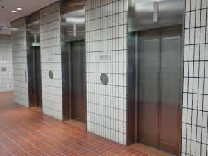 ザイマックス梅田新道ビルエレベーター