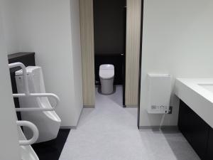 淀屋橋KAKENビル男子トイレ