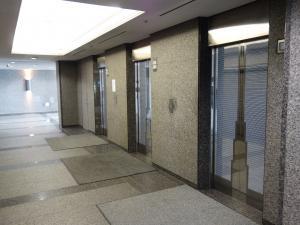 セントラル新大阪ビルエレベーター