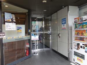 堺筋本町セントラルビルエントランス