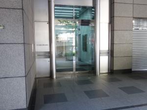 淀川6番館ビルエントランス