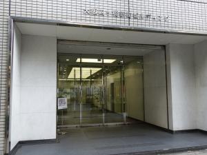 大阪四ツ橋新町ビルエントランス