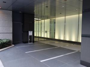 大阪YMビルエントランス