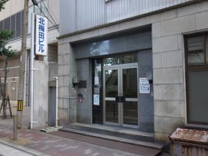北梅田ビルエントランス