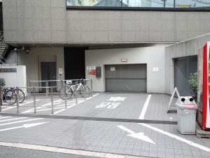 野村不動産西梅田ビル立体駐車場