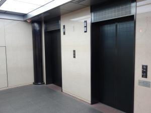 南船場ハートビルエレベーター