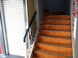 花月第一ビル階段