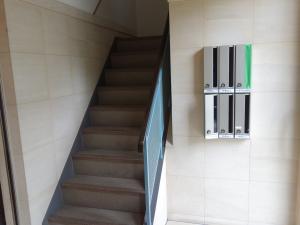 テンザン・ウエノ(ウエノ本社)ビル階段