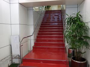 心斎橋コラムナービル階段