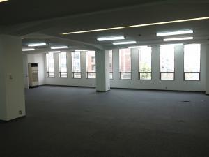新日本ビル室内
