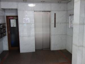 天満橋MSビルエレベーター