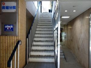 ファーストKビル階段