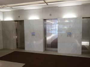 進和江坂ビルエレベーター