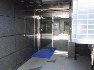 新堂新大阪ビルエントランス