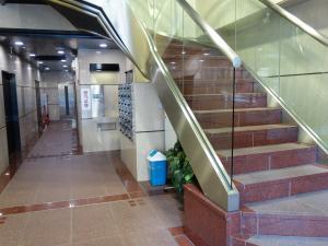 大明ビル階段