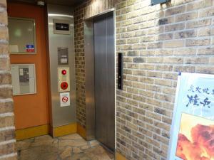 茶屋町ビルエレベーター