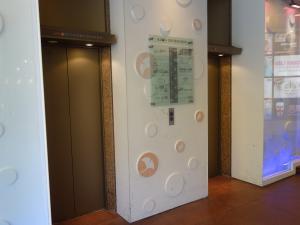 アクロスビルエレベーター