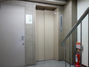 ESTビルエレベーター