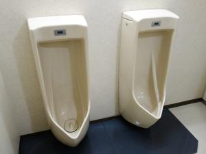 西天満パークビル2号館男子トイレ