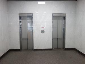 銀泉西本町ビルエレベーター
