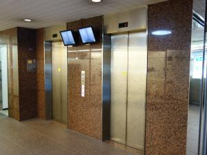エサカ中央ビルエレベーター