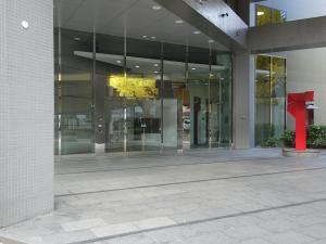 淀川5番館ビルエントランス