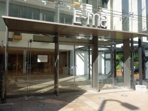 E-MA(イーマ)エントランス