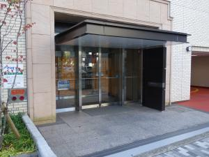 井門江坂駅前ビルエントランス