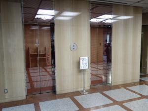 梅田プラザビルエレベーター