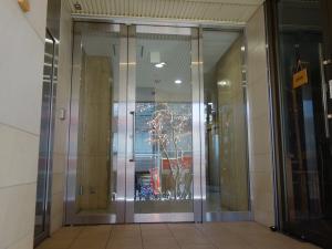 YS新大阪ビルエントランス