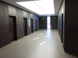 大阪御堂筋ビルエレベーター