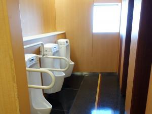 パークスタワー男子トイレ