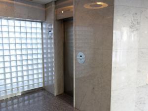 新大阪DOIビルエレベーター