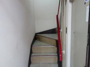 宮川ビル階段