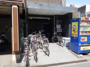 植田2号館ビルエントランス