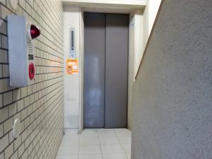 堂北山二ビルエレベーター