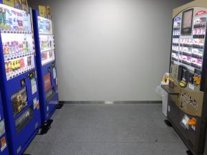 井門瓦町ビル自動販売機