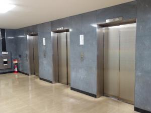 輸出繊維会館ビルエレベーター
