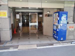 六甲桜川ビルエントランス