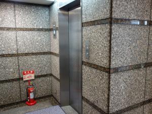 サンロードビルエレベーター