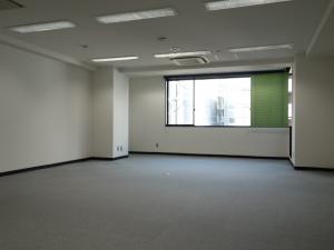 新大阪コパービル室内