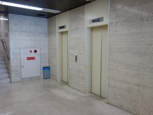 大阪弁護士ビルエレベーター