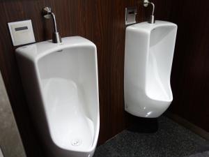 嶌野(シマノ)ビル男子トイレ
