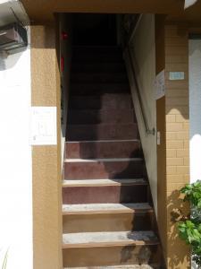 湊町再生ビル階段