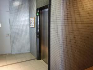 堂島松本ビルエレベーター1基