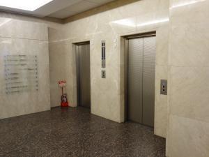 ニッセイ備後町ビルエレベーター