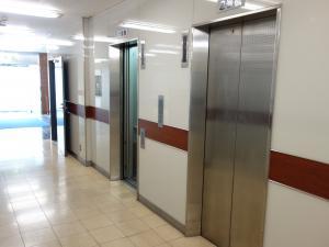 リプロ南船場ビルエレベーター