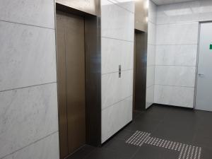 MID西本町ビルエレベーター